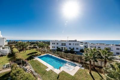 806150 - Apartment For sale in Cabopino, Marbella, Málaga, Spain