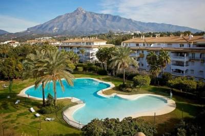 781923 - Apartment For sale in Puerto Banús, Marbella, Málaga, Spain