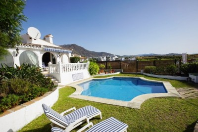 790110 - Villa For sale in Estepona, Málaga, Spain
