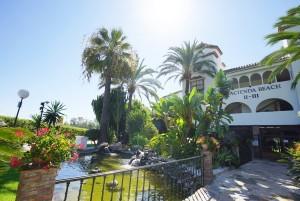Atico - Penthouse Sprzedaż Nieruchomości w Hiszpanii in Estepona, Málaga, Hiszpania
