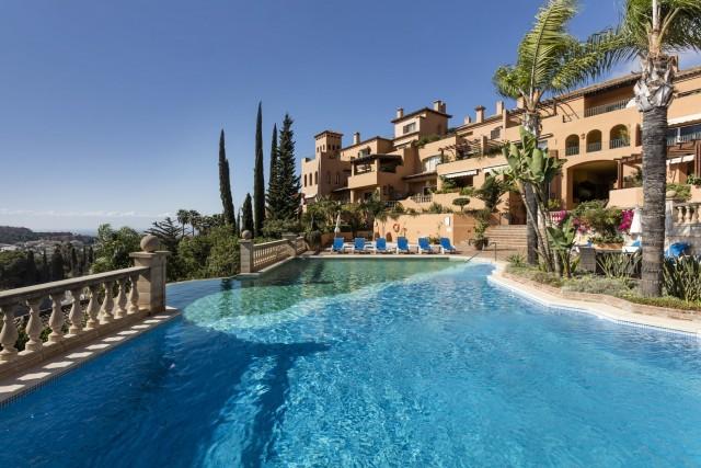 Duplex-Dachgeschosswohnung zu verkaufen auf Palacetes Los Belvederes, Marbella, Málaga, Spanien