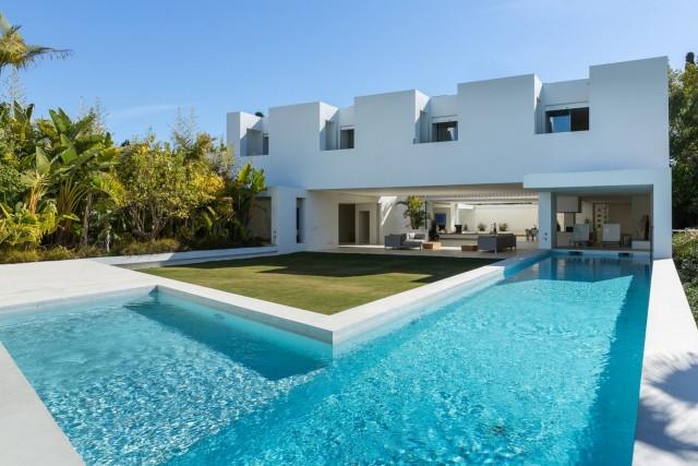 Villa zu verkaufen auf Guadalmina Alta, Marbella, Málaga, Spanien