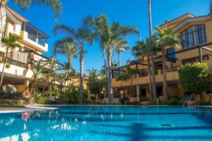 778098 - Townhouse for sale in Bahía de Banús, Marbella, Málaga, Spain
