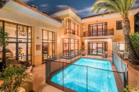 779004 - Bungalow for sale in Bahía de Banús, Marbella, Málaga, Spain