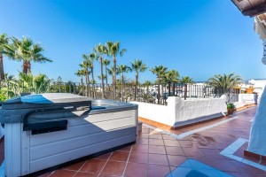 784006 - Penthouse for sale in Puerto Banús, Marbella, Málaga, Spain