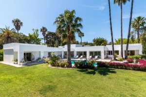 790627 - Villa for sale in El Paraiso, Estepona, Málaga, Spain