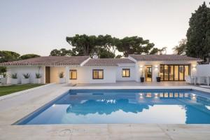 Villa independiente en venta en El Rosario, Marbella, Málaga, España