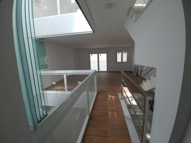 Interior (8)