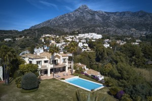 Villa for sale in Golden Mile, Marbella, Málaga, Spain