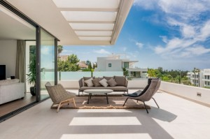 820538 - Duplex Penthouse for sale in Nueva Atalaya, Estepona, Málaga, Spain