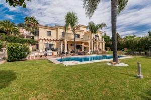 820560 - Villa for sale in El Paraiso Alto, Estepona, Málaga, Spain