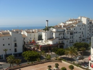 608330 - Apartment For sale in Marina Banús, Marbella, Málaga, Spain
