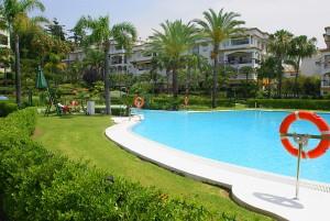 BARGAIN! HACIENDA NAGUELES 1. MARBELLA GOLDEN MILE! 5 minutes walking distance to beach and facilities. .