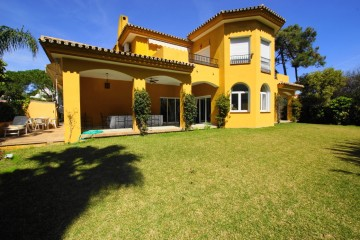 651186 - Villa for sale in El Presidente, Estepona, Málaga, Spain