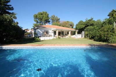 Villa for sale in Atalaya Baja, Estepona, Málaga, Spain