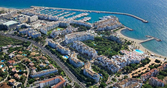 Apartment for sale in Puerto Banus Marbella close to the beach