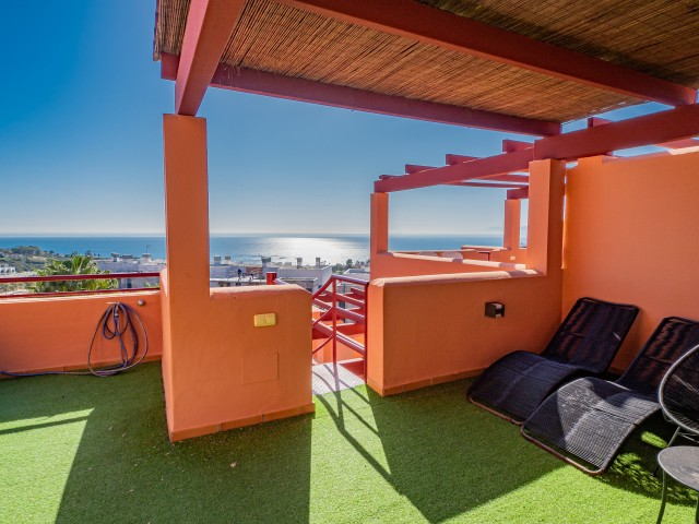 nieruchomosci w hiszpanii na costa del sol - Duplex Penthouse na sprzedaż w Bahia de las Rocas, Manilva