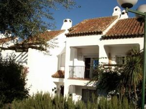Townhouse Sprzedaż Nieruchomości w Hiszpanii in El Paraiso, Estepona, Málaga, Hiszpania
