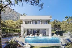 Villa for sale in Puerto de la Duquesa, Manilva, Málaga, Spain