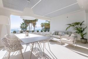 Nowe apartamenty w pierwszej linni brzegowej w Esteponie