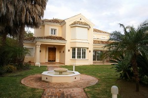 Luxyry villa for sale in Las Chapas - Marbella
