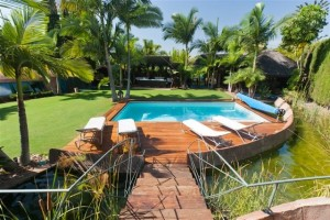 A luxury exotic 5 bedroom Villa for sale in Rio Verde, Marbella Golden Mile.