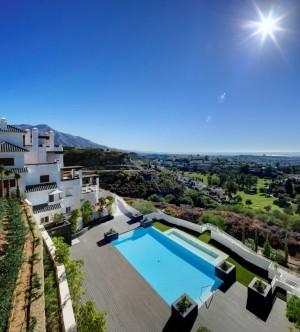 Penthouse for sale in Benahavís, Málaga, Spain