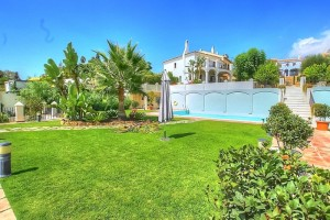Fantastic opportunity to acquire a luxury home with sea views in an exclusive gated community on The Golden Mile in Marbella,