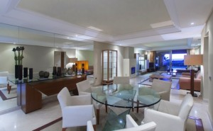 BEACHFRONT, LUXURY COMPLEX! Choice of exceptionally large 2 and 3 bedroom apartments & 3 bedroom duplex penthouses.
