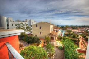 House for sale in Marbella - Golden Mile -Walking distance to hre beach ( 300m), shops and restaurants.