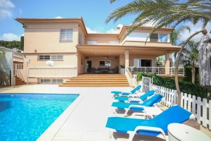 Villa for sale in Torremolinos, Málaga, Spain