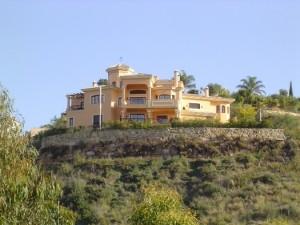 Villa for sale in La Quinta Golf, Benahavís, Málaga, Spain
