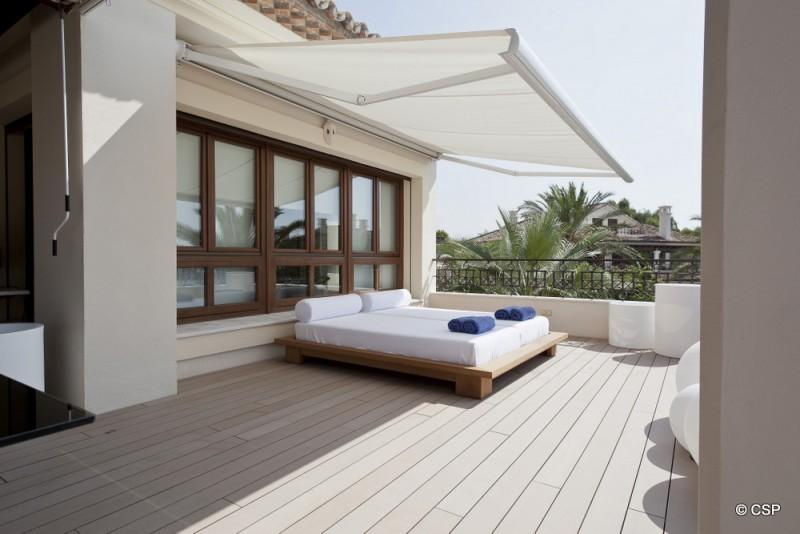 14_Side terrace