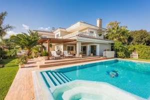 Beautiful beachside villa in Marbella