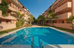 15003RPE - Lejlighed Til salg i Las Chapas Playa, Marbella, Málaga