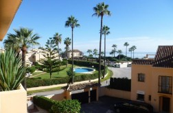18001RE - Apartment for sale in Marbella Beach, Marbella, Málaga
