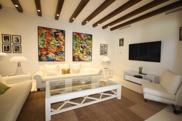 lounge basement