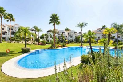 780086 - Apartment For sale in El Paraiso, Estepona, Málaga, Spain