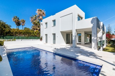 782265 - Villa For sale in Cortijo Blanco, Marbella, Málaga, Spain