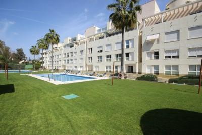 811098 - Apartment For sale in La Corniche, Marbella, Málaga, Spain