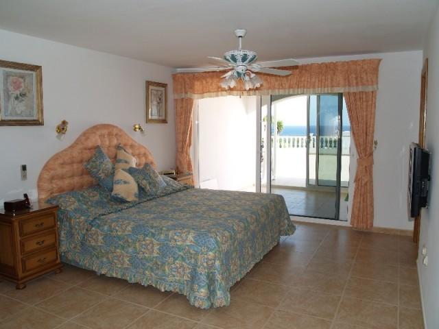H1378_19_Master Bedroom a