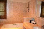 DSC_0555 bath 2