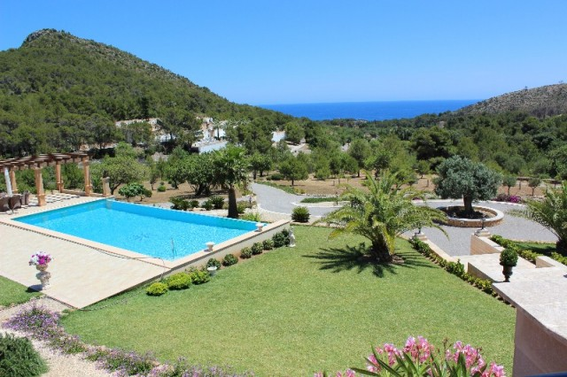 More on our Houses for Sale in Font de Sa Cala, North East Mallorca, Mallorca, Spain