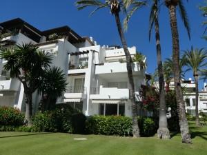 EL0070 - Appartement te koop in Alcazaba Beach, Estepona, Málaga, Spanje