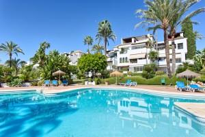 EL0074 - Penthouse te koop in Alcazaba Beach, Estepona, Málaga, Spanje