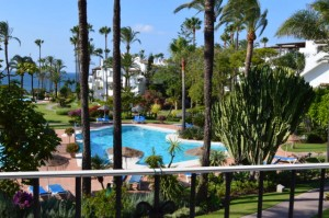 Apartment for sale in Alcazaba Beach, Estepona, Málaga