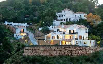 697271 - Villa For sale in El Madroñal, Benahavís, Málaga, Spain