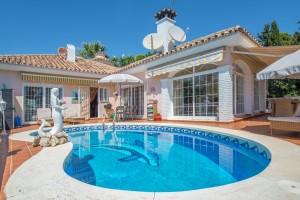 Villa en venta en La Sierrezuela, Mijas, Málaga, España