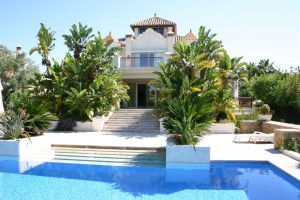 Villa for sale in Las Chapas Playa, Marbella, Málaga, Spain