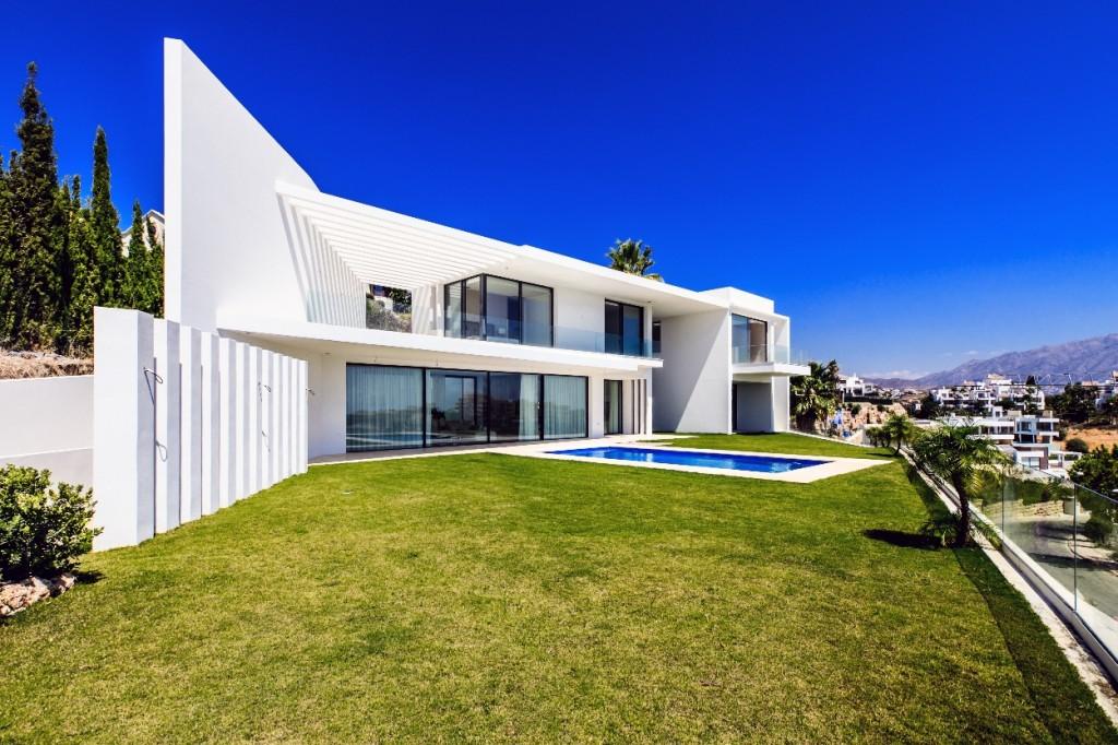 Garden - pool area - property